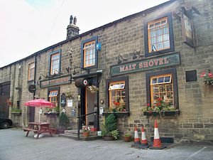 English: The Malt Shovel public house, Main St...
