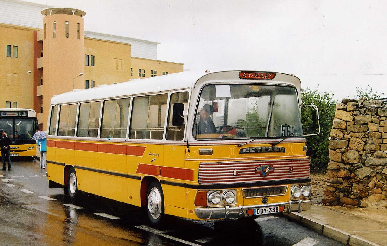 file:malta bus dby 338 - wikimedia commons