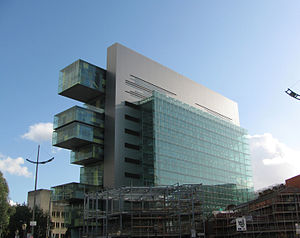 Futurist architecture - Civil Justice Centre, Manchester (2008) by Denton Corker Marshall, notable for its cantilevers and straight lines.