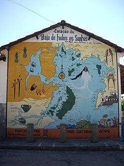 Mapa da Baia de Todos os Santos numa parede.jpg
