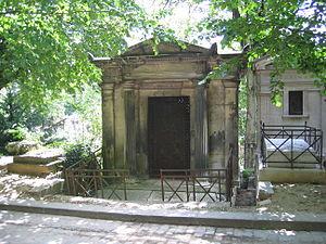 Hugues-Bernard Maret, duc de Bassano - Duc de Bassano's tomb in Paris