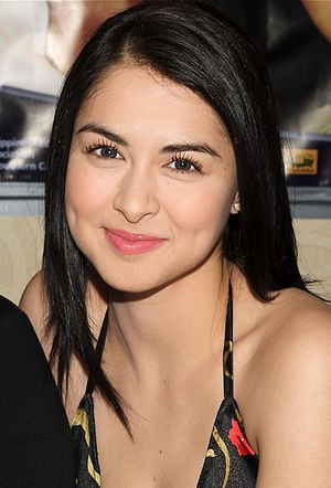 Spanish people of Filipino ancestry - Image: Marian Rivera and Dingdong Dantes LA Press Conference, December 2008