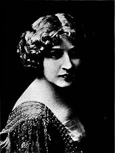 Marion Leonard American actress