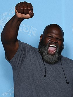 Mark Henry Photo Op GalaxyCon Richmond 2019.jpg