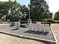 Maubert-Fontaine (Ardennes) tombes de guerre.JPG