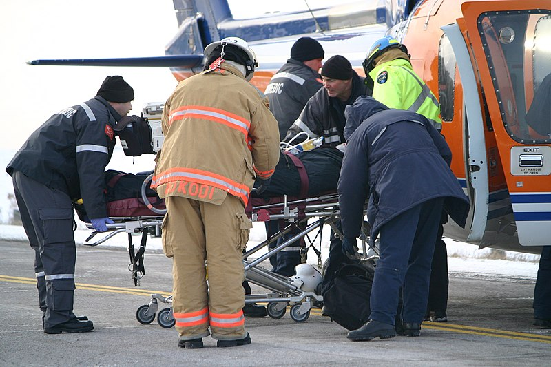 File:Medical evacuation after car accident Kawartha Lakes Ontario.jpg