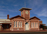 Menzies town hall.jpg