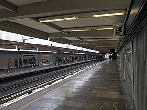 Metro Tasqueña - Station platforms