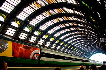 MilanoCentrale roof.jpg