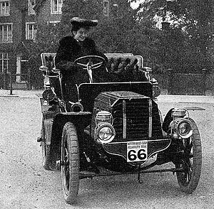 Dorothy Levitt - Dorothy Levitt and the 12 hp Gladiator car she drove in a series of reliability trials in 1903