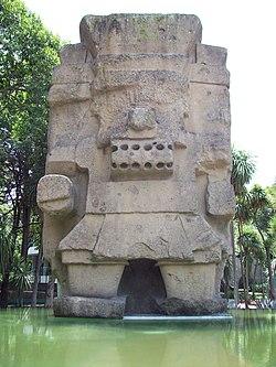 Monolito de Tláloc, Museo Nacional de Antropología.jpg