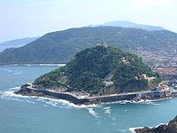 Monte Urgullmendia y Castillo de la Mota-Motako gaztelua. San Sebastian-Donostia, Guipuzcoa-Gipuzkoa..JPG