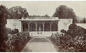 Mubarak Ali Khan II - An old photo of the Moti Mahal of Mubaraq Manzil seen with the black throne.
