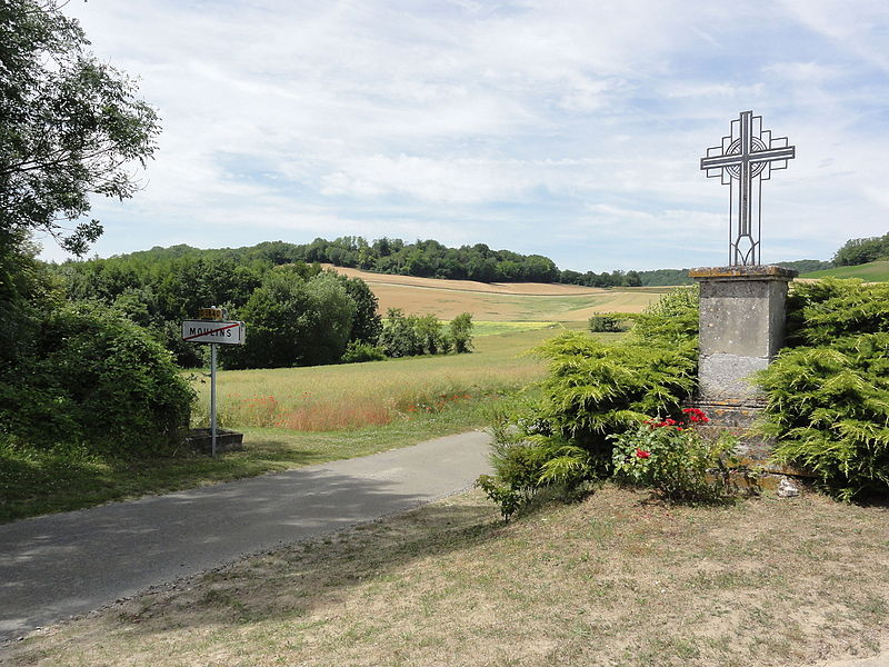 Moulins (Aisne) croix de chemin nord