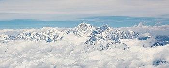 Mount Everest in clouds.jpg
