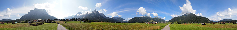 Mountains panorama.jpg