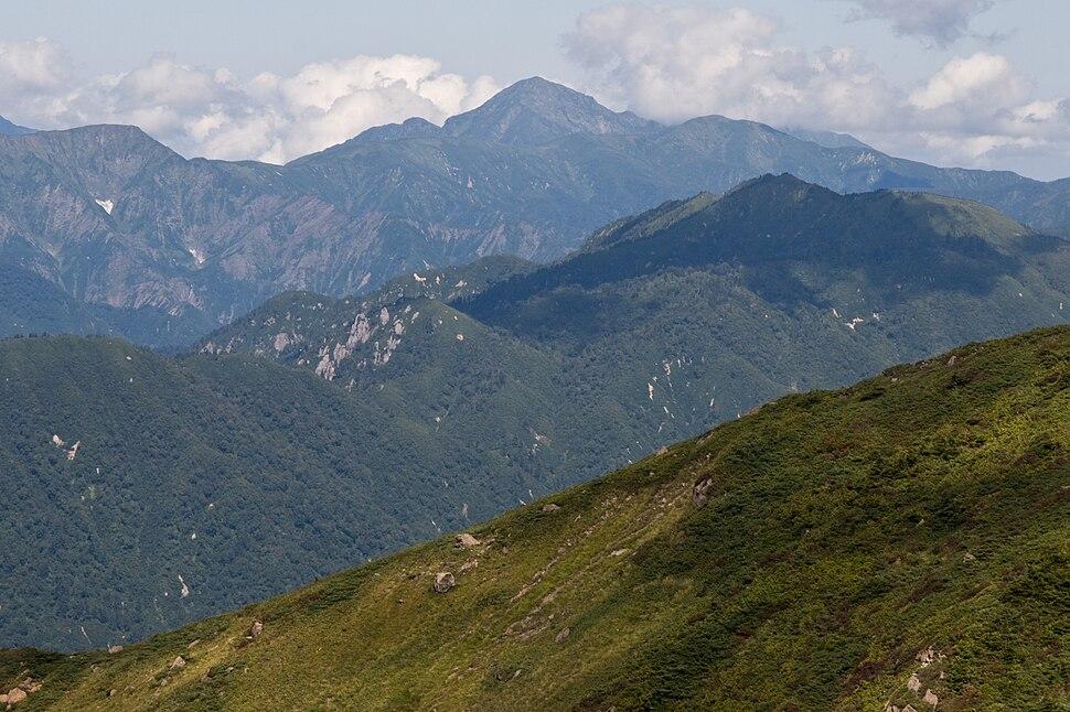 Mt.Nakanodake from Mt.Shibutsu 01