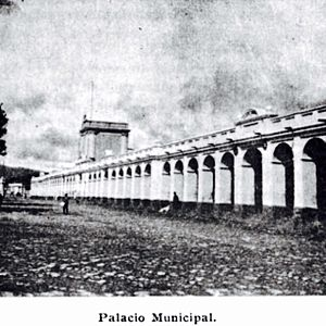 National Palace (Guatemala) - Guatemala City Hall in 1907.  Built when the city moved from Santiago de los Caballeros to La Ermita, it was operating until it was destroyed by the 1917 Guatemala earthquake.