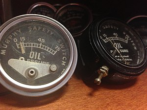 Pressure switch - Murphy oil pressure gauges with switches that activate on low pressure