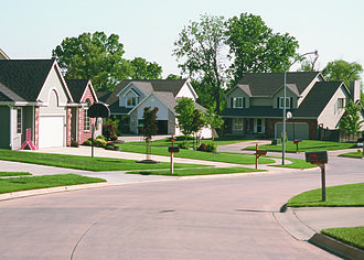 Urbandale, Iowa - Housing in Urbandale