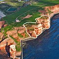NSG 62 Lummenfelsen der Insel Helgoland - Markierung in Luftaufnahme 2012.jpg