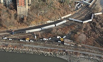 December 2013 Spuyten Duyvil derailment - Aerial view of the derailment