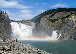 Virginia Falls op de South Nahanni River