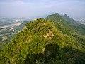 Narrow ridge between Mt Qiwei and Mt Yueguang.jpg