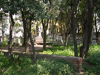 Old English Cemetery, Livorno - The cemetery, showing the need for maintenance