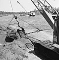 Ontginning, grondbewerking, egaliseren, bezanden, draglines, waterregge, Bestanddeelnr 159-0418.jpg