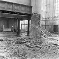 Ontmantelde kolom rechts onder orgel - 's-Gravenhage - 20085113 - RCE.jpg