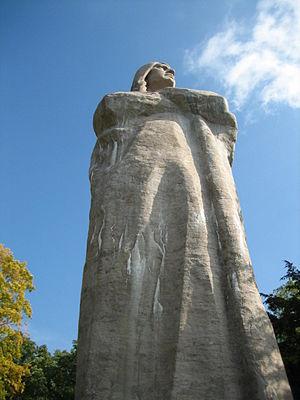 Eagle's Nest Art Colony - Black Hawk Statue at Lowden State Park