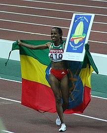 Etiopien-Idræt-Fil:Osaka07 D8A W5000M winner celebrating