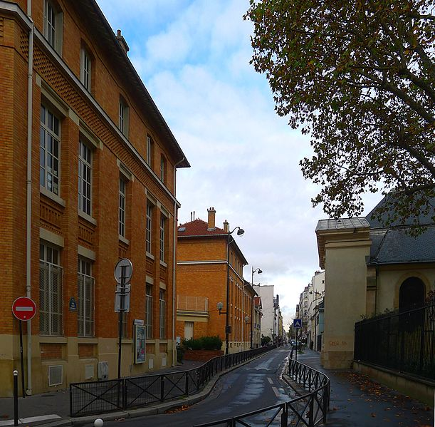 Fichier:P1060550 Paris XI rue Saint-Bernard rwk.JPG