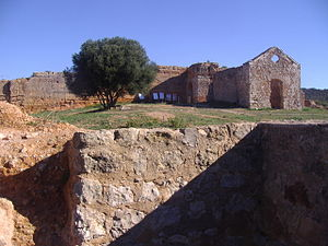Castle of Paderne - The ruined Chapel of Nossa Senhora do Castelo