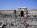 Piazza del Duomo - Ingresso Galleria.jpg