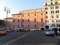 Piazza di San Pietro in Vincoli - panoramio (2).jpg