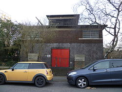 Piccadilly line building Nightingale Road, Bounds Green 03.JPG