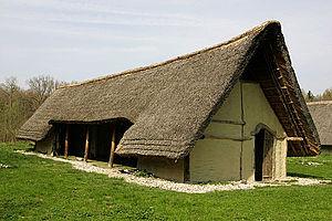 Gletterens - Reconstruction of a prehistoric house in Gletterens