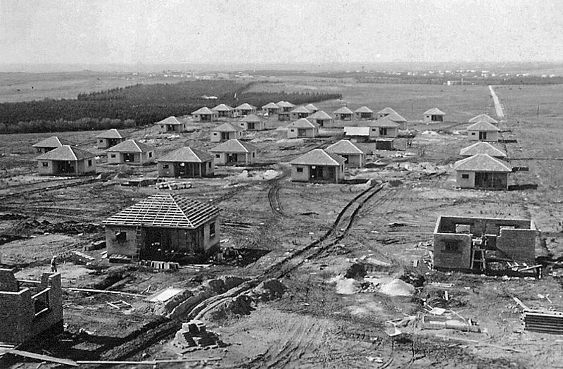 בתי הכפר הראשונים