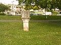 Pilier dans l'ancien rempart de Vernon dans l'Eure.jpg
