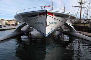 Tûranor PlanetSolar - View of the bow, showing the three hulls.