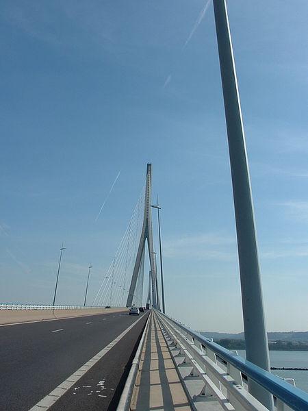 Fichier:Pont Normandie Rive Est.jpeg