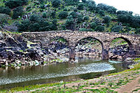 Puente Rivera Fresnedosa Antiguo.jpg