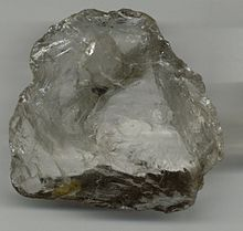 Tipica frattura concoide di un cristallo di quarzo ialino
