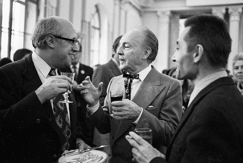 RIAN archive 32796 Mstislav Rostropovich, George Balanchine and Yuri Grigorovich.jpg