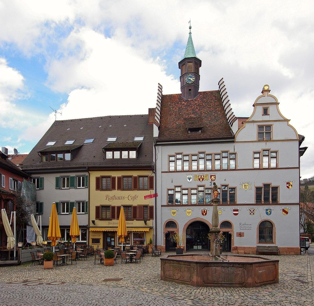 Rathausplatz jm2927.jpg