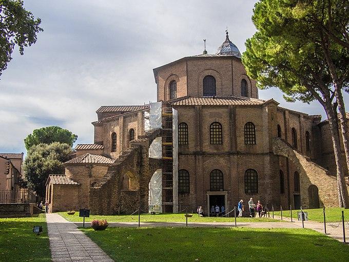 Ravenna - Basilica of San Vitale - building back