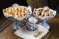 """Recept-Två sorters kakor på ljusneservisen. Utställningen """"Smak av svunnen tid"""" år 2007 - Hallwylska museet - 86364.tif"""
