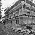 Rechter zijgevel, in de steigers - Ewijk - 20400901 - RCE.jpg